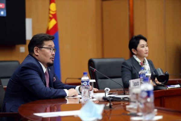 Г.Занданшатар: Монголын экспортын 88.9 хувь нь Хятадтай, 0.9 хувь нь Оростой хийгддэг...
